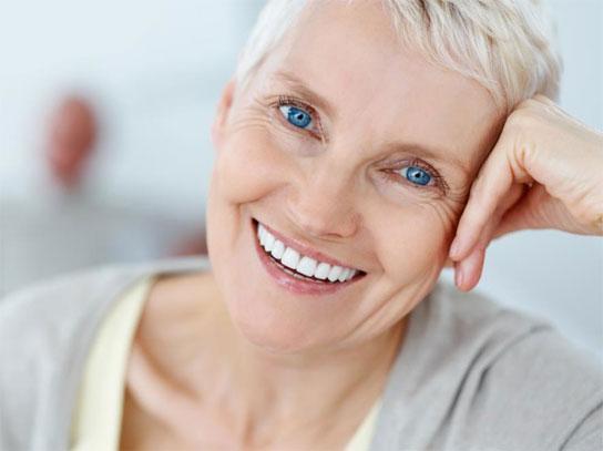 pensjonist hvit smil